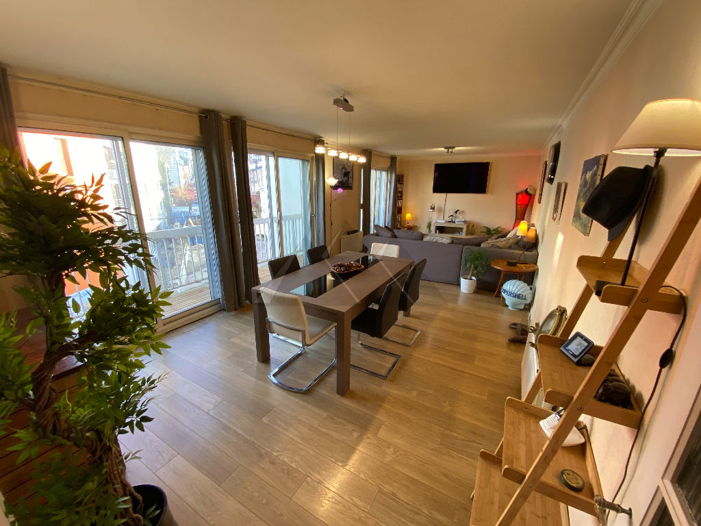 A VENDRE UN APPARTEMENT  DU TYPE 7 AVEC CAVE GARAGE PLUS PARKING PRIVE  CENTRE VILLE DE BREST